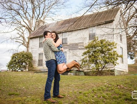 Holly and Scott—A House Divided—Tennessee Kentucky Engagement