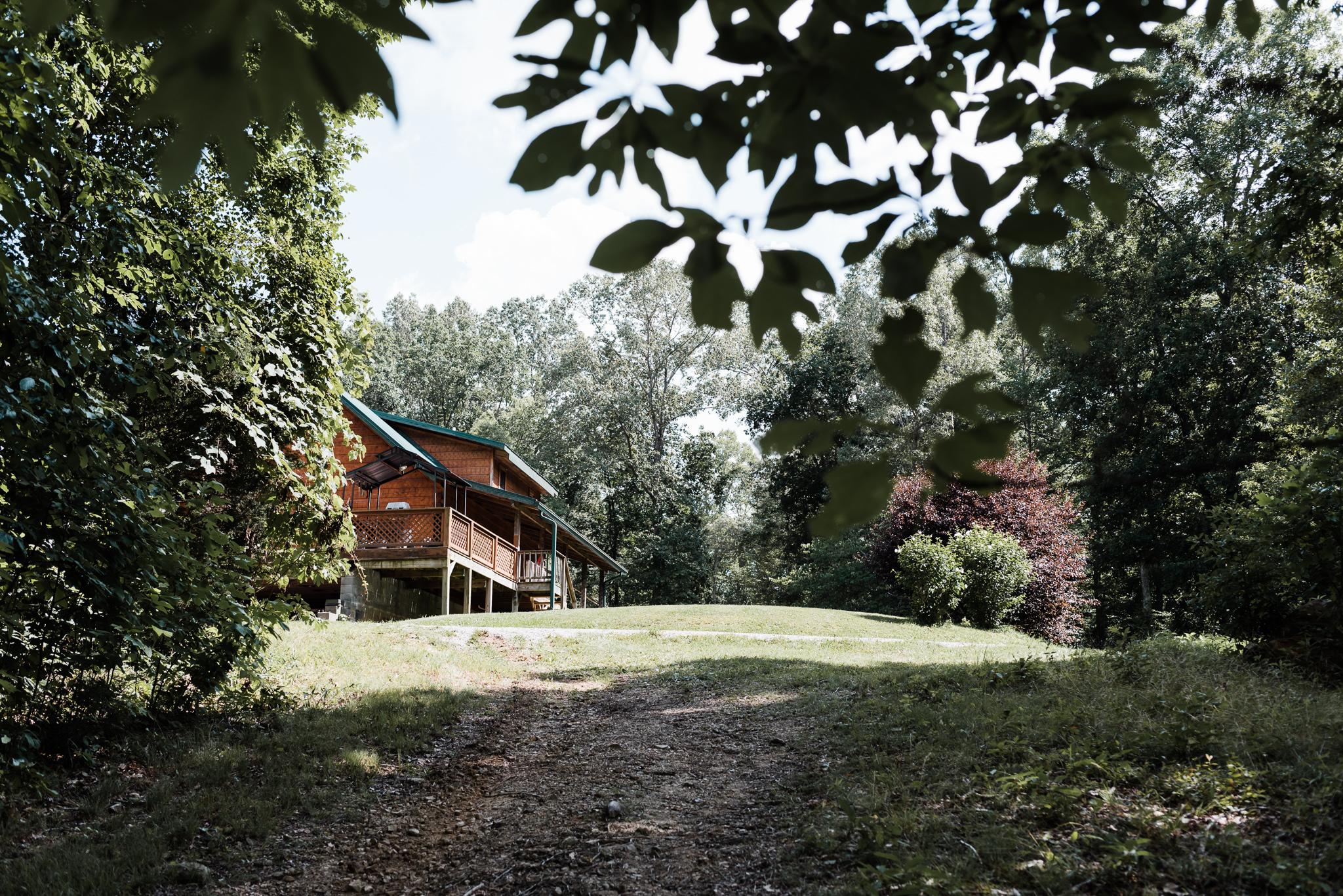 intimate cabin wedding in tn